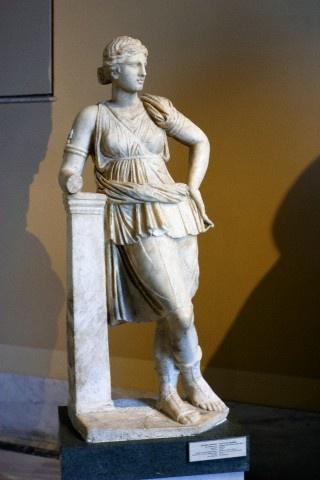 Статуя Артемиды с острова Лесбос. (Фото Ali Kabas / Corbis.)